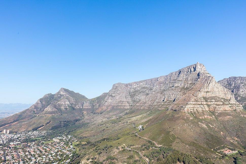 Montaña de la Mesa desde Cabeza de León, Sudáfrica, 2018-07-22, DD 33