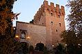 Monte oliveto maggiore, barbacane (1323-1526 restaurato nell'ottocento) 03.JPG