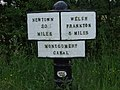 Montgomery Canal 5 mile milepost - geograph.org.uk - 580320.jpg