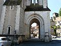 Montignac (24) église porche.JPG