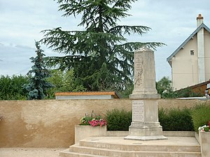 Monument Sennecey.jpg