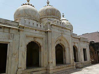 Qutbuddin Bakhtiar Kaki - Moti Masjid, Mehrauli, built by Bahadur Shah I.