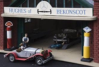 Bekonscot - Motor garage