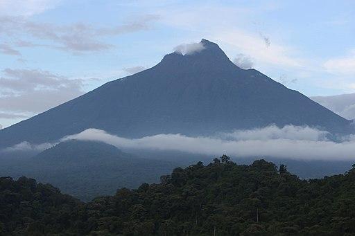 Mount Mikeno (21070273651)