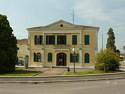 Municipio di Mezzani.JPG