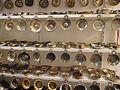 Musée insolite - taste vin métal argenté 2.jpg