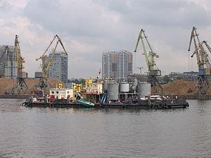 NBS-107 on Khimki Reservoir 8-jun-2012.JPG