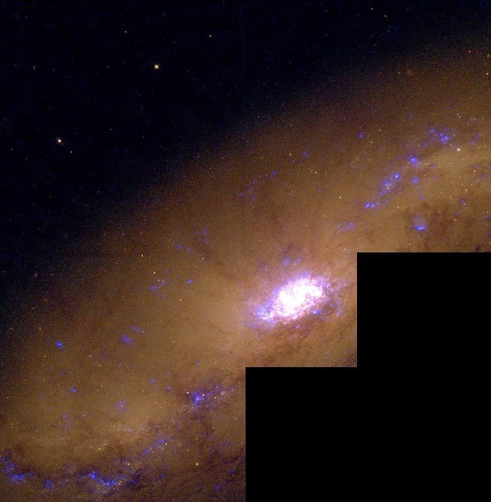 NGC 1808HSTFull