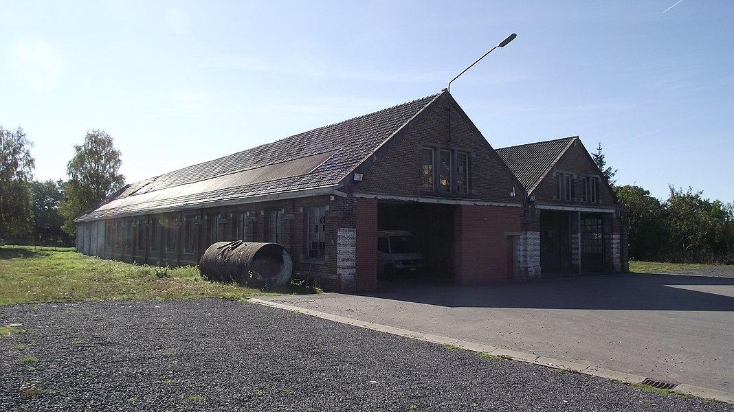 Loods van de buurtspoorwegstelplaats in Solre-sur-Sambre