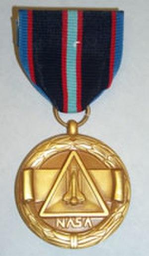 NASA Space Flight Medal - Image: NS Flight Med