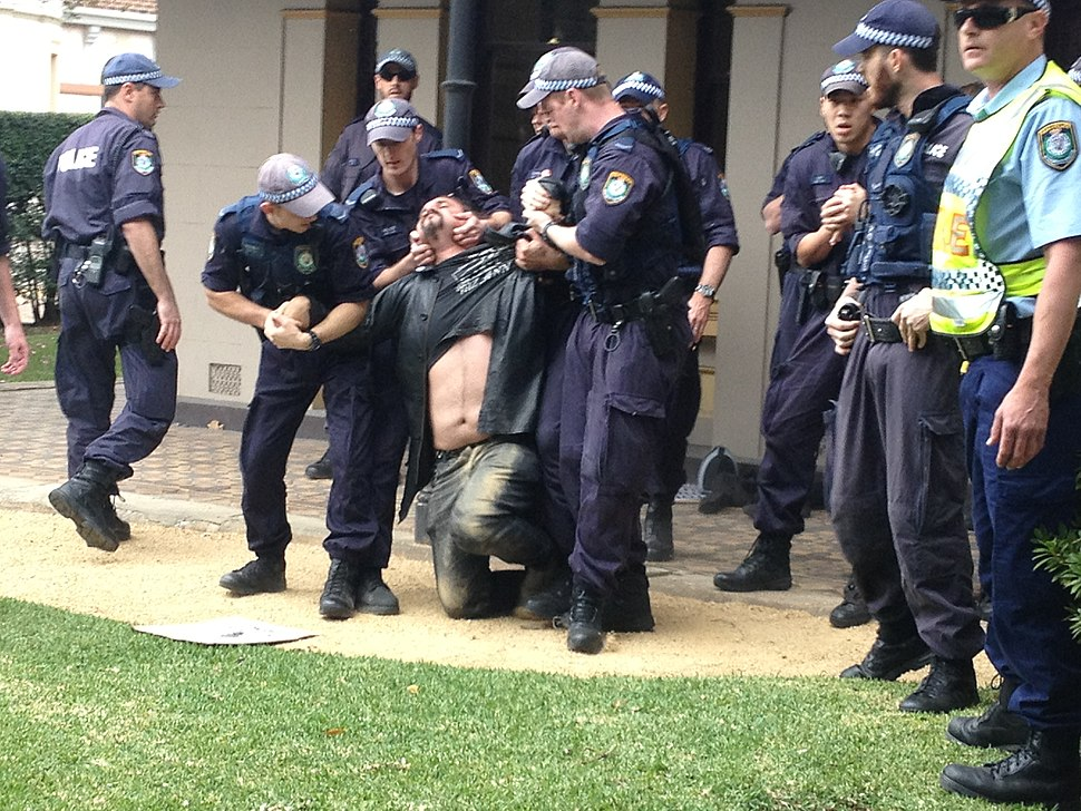 NSW police use illegal pain hold on activist at University of Sydney