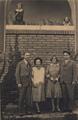 Na zahradě u Wenigů - Pestrý týden, 14.9.1929.png