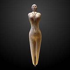 Nagada I statuette of a woman-E 27432