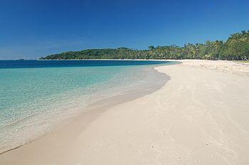 La spiaggia di Laguna blu nell'isolotto Nanuya Lailai