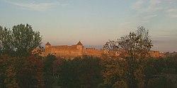 Narva ivangorod abends.jpg