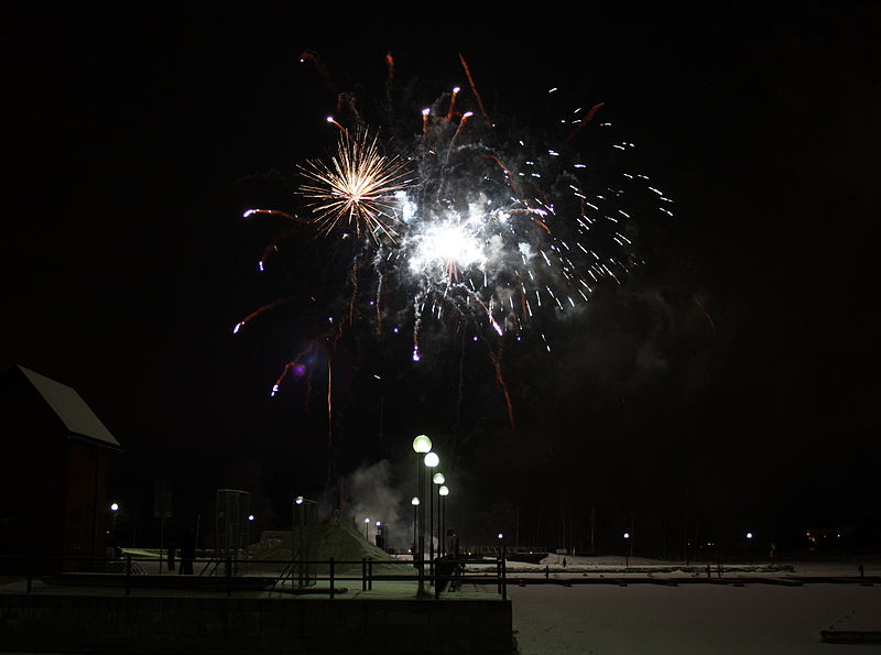 File:New Years Eve fireworks Oulu 20111231a.JPG