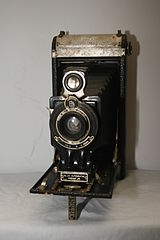 No. 2C Autographic Kodak Junior Camera (5373468792).jpg