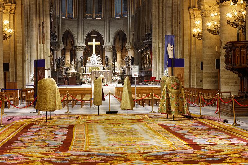 File:Notre-Dame de Paris - Tapis monumental du chœur - 016.jpg