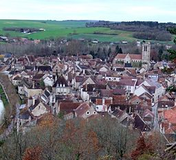 Noyers-sur-Serein - panorama.jpg