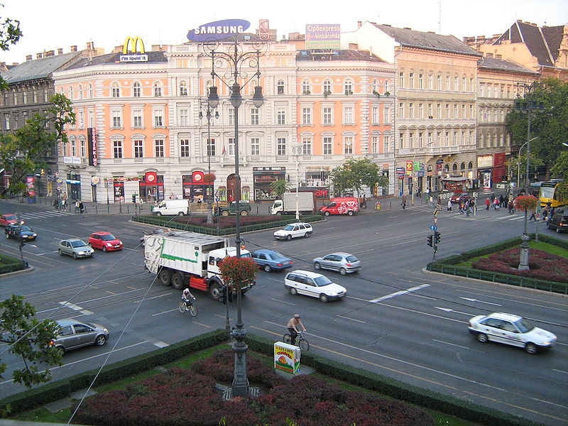 File:Oktogon as seen from Oktogon tér 3.jpg