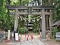 Omiya Atsuta Shrine torii.jpg