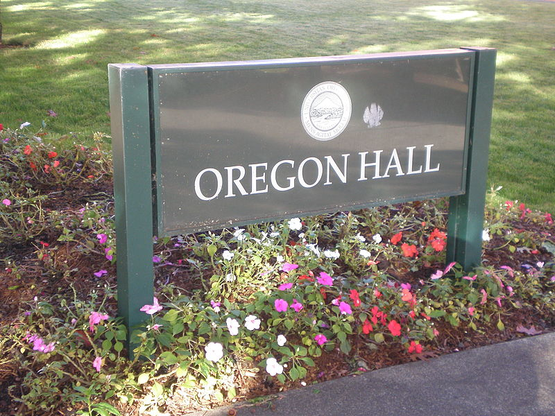 File:Oregon Hall sign, University of Oregon.jpg
