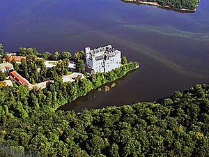 Orlík Dam - Orlík Castle