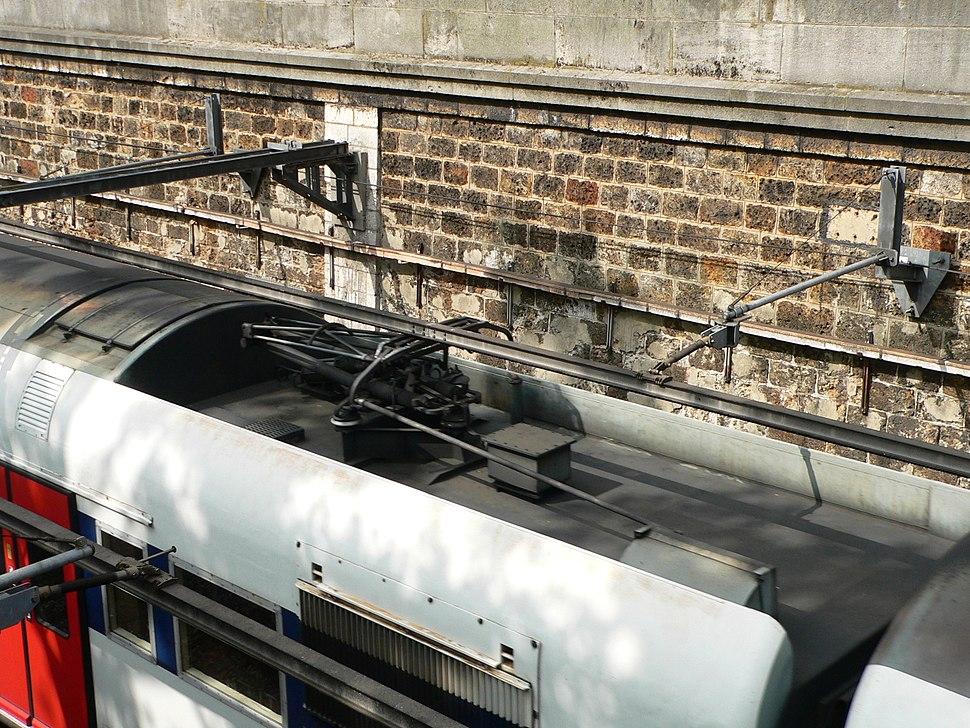 Overhead rail P1220601