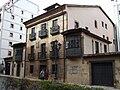 Oviedo - Casa de los Campomanes 02.jpg