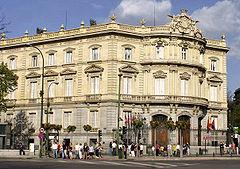 Misterios y fantasmas de Madrid 240px-Palacio_de_Linares_recortada