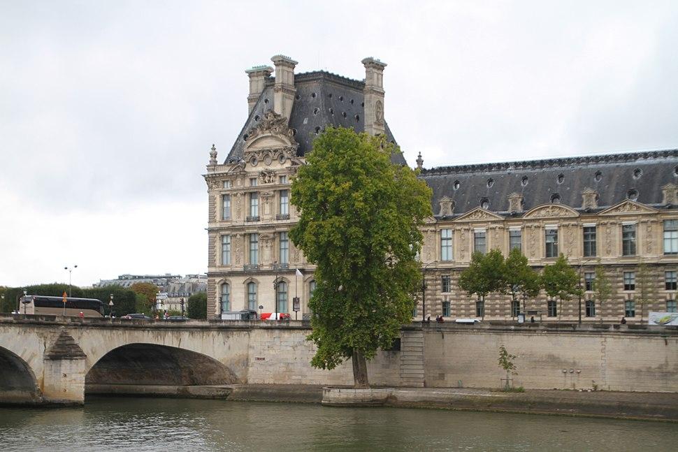 Paris-Louvre-116-Pont Royal-2017-gje