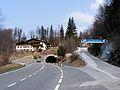 Pass Lueg - alte und neue Straße.JPG