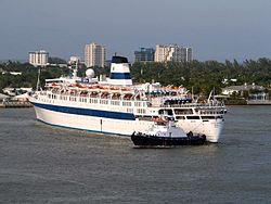Passenger Cruise Ship Regal Empress.jpg