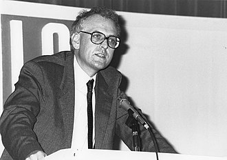 Peter Hennessy - Professor Hennessy giving a public lecture at LSE in 1989