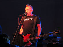 Peter Hook live, Chile 2014 (15216885964).jpg
