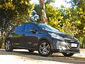 Peugeot 208 1.2 VTi Active 2012 (10581286405).jpg