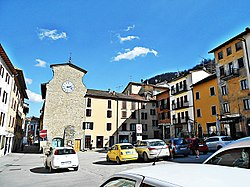 Piazza Marconi-lato torre dell'orologio.jpg