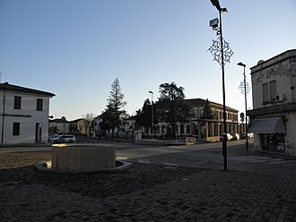 Castelnovo Bariano - Image: Piazza Municipale (Castelnovo Bariano)