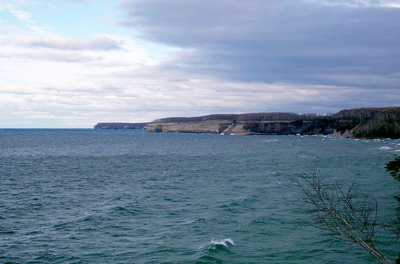 File:Pictured Rocks Lakeshore Michigan3.JPG