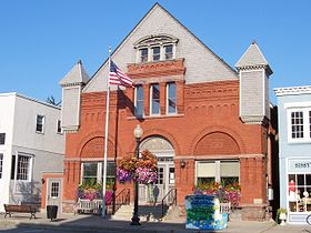 Pittsford, New York town hall.jpg