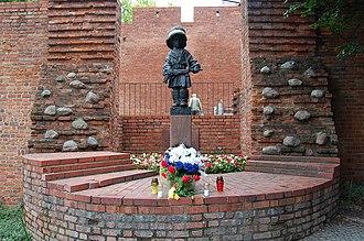 Mały Powstaniec - Image: Pomnik małego powstańca w Warszawie