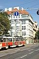 Praha, Karlovo náměstí, tramvaj 7124.jpg