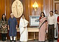 Pratibha Devisingh Patil, the Members of the National Knowledge Commission and the Azim Premji Foundation after the launch of a National Portal for Teachers by the President, at Rashtrapati Bhavan, in New Delhi.jpg