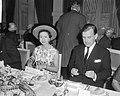 Prinses Margaret aan de lunchtafel in het Amstel Hotel, Bestanddeelnr 917-7739.jpg