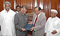 Prof N.R Madhava Menon Presenting the Report of the committee on draft National Policy on Criminal Justice to the Union Home Minister, Shri Shivraj V. Patil in New Delhi on August 01, 2007.jpg