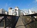 Puente peatonal sobre la calle Parral, Buenos Aires.jpg