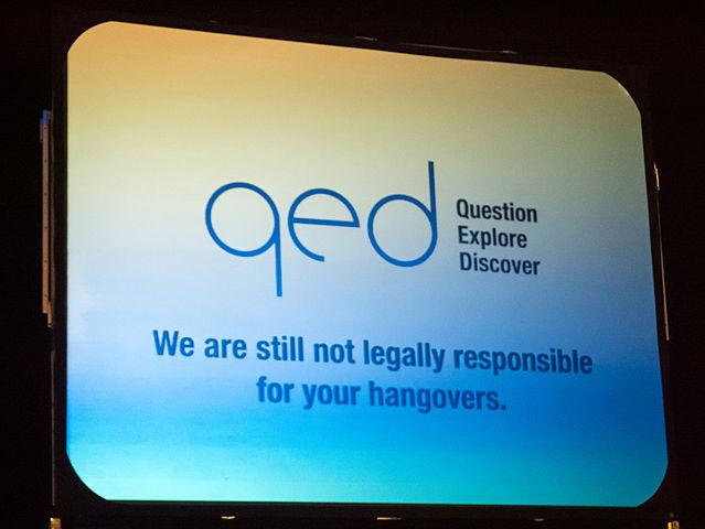 Fotografia do diapositivo que recebeu os participantes na manhã de domingo que diz