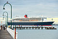 Queen Mary 2 in Port Melbourne (12585535244).jpg