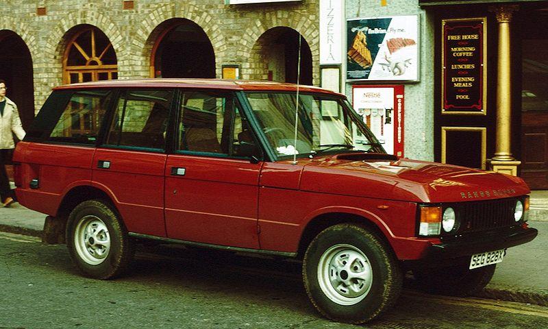 800px-Range_Rover_4_door_1981_Market_Hill.jpg