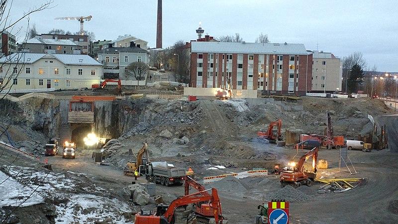 File:Rantaväylän tunnelityömaa, Naistenlahti 01.jpg